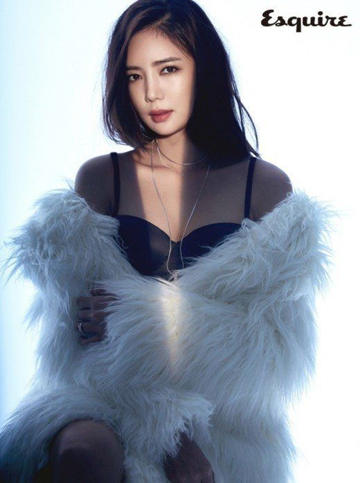Lee Tae Im is sexy for 'Esquire' | http://www.allkpop.com/article/2015/12/lee-tae-im-is-sexy-for-esquire