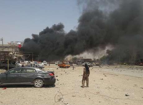 JORNAL CORREIO MS: Iraque: 24 morrem em duplo atentado contra sede de...