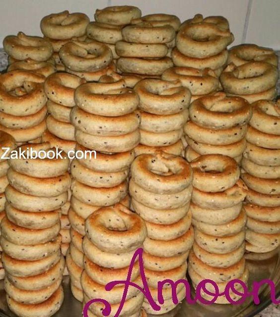 طريقة الكعك الفلسطيني زاكي Arabic Dessert Dessert Recipes Dessert Cake Recipes