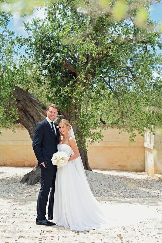 Hochzeit Auf Krucken Manuel Neuer Heiratet Sport1 Bildergalerie Italienische Hochzeit Nina Weiss Hochzeit