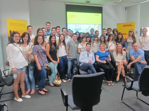 DHL impulsa las acciones de #mentoring y las jornadas de puertas abiertas para estudiantes http://www.avancecomunicacion.com/sala-prensa/dhl-impulsa-las-acciones-de-mentoring-y-las-jornadas-de-puertas-abiertas-para-estudiantes/