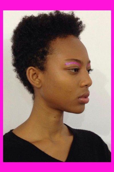 Confira aqui a beleza da Lolitta - cabelo nada e olho tudo - só clicar aqui pra ver!: