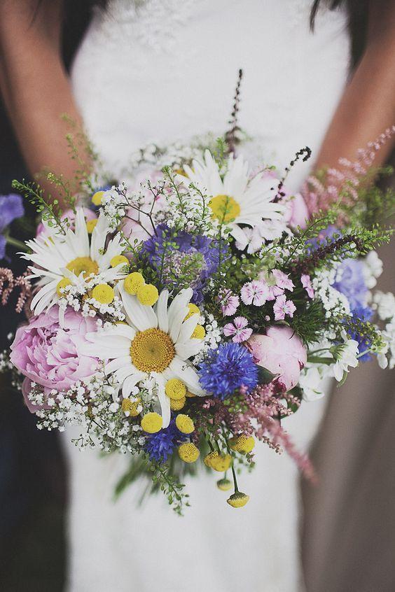 16 Stunning Summer Wedding Flowers Daisy Baby Breath And Purple