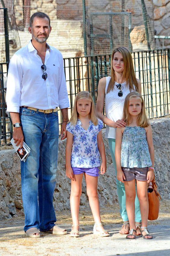 Los Reyes disfrutarán de unos días de descanso en Palma de Mallorca con sus hijas #royalty #realeza