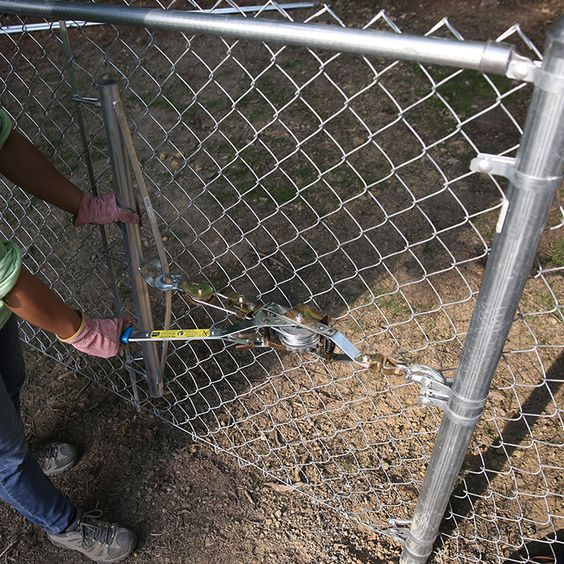 Install A Chain Link Fence Chain Link Fence Chain Link Fence Installation Fence