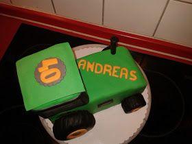 Trecker Torte Traktor In 2020 Traktor Kuchen Traktor Torte Torten