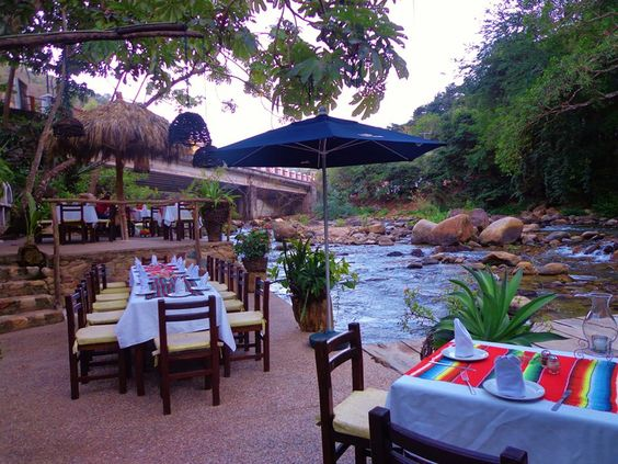 Cuale Paradise Restaurant, Puerto Vallarta, México