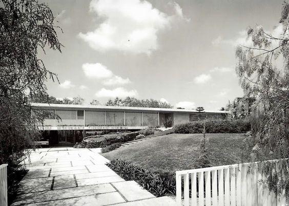 Casa Rojas, Calle de la Brisa 311, Jardines del Pedregal, México, DF, 1962 Arqs…
