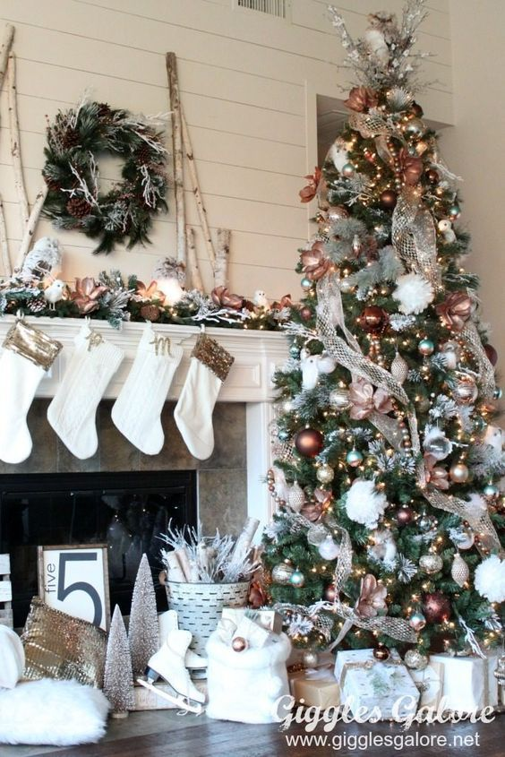 Check Out Latest Christmas Tree Decorations Ideas Beautiful And Simple Christmas Tree Dec Christmas Tree Design Farmhouse Christmas Tree Christmas Decorations