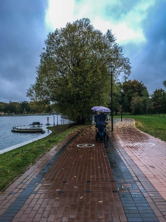 Осенняя погода на Верхнем озере Калининграда. Фото Жени Шведы