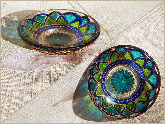 RichanaDragon ||| Fantasy flowers (c). Glass bowl candle holders for night decor in Asian style. Glass plates with green and blue flower-like pattern. Hand painted stained glass. ||| ○ SIZE: 9 (diam.) x 2,5 (hgt.) cm / 3.54 (diam.) x 0.98 (hgt.) inch ○ NET WEIGHT: 100 g / 0.22 lb