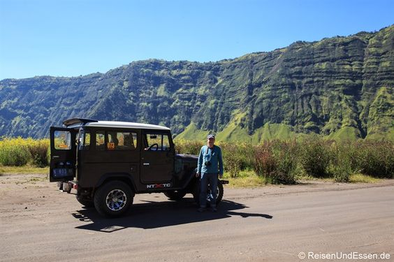 Mit dem Jeep im Bromo-Tengger-Semeru-Nationalpark nach Malang am Vulkan #Bromo. Eine erlebnisreiche Fahrt durch das Sandmeer, Hochsteppe und Pflanzenwelt.
