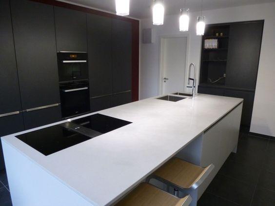 Grau in grau - Fertiggestellte Küchen - Nieburg