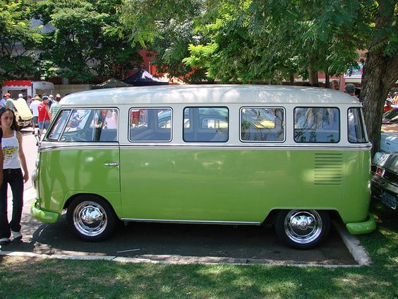 VW_Bus_25FEB2007_003 by Afrika_Korps, via Flickr