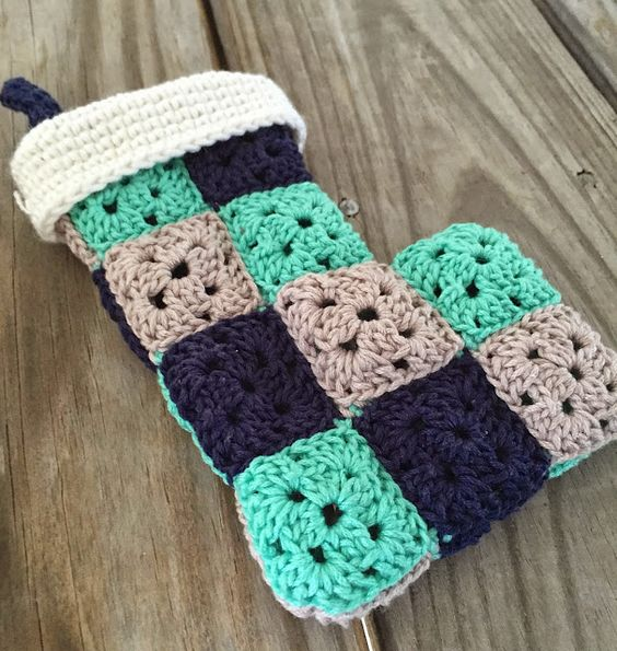 Free Crochet Pattern For Granny Square Christmas Stocking : Pinterest The world s catalog of ideas