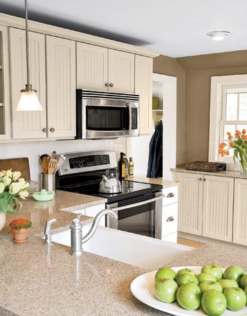 country kitchen makeover and renovation kitchen colors cabinets and countertops. Black Bedroom Furniture Sets. Home Design Ideas