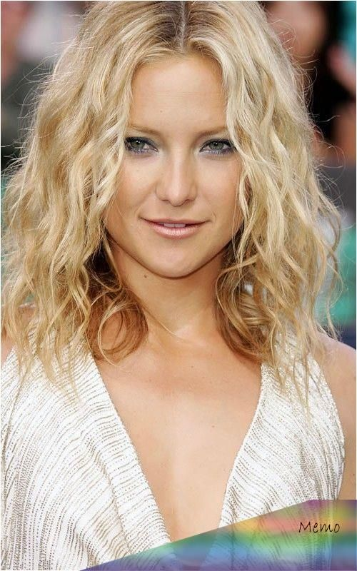 Pin By Nova Koepp On Beautiful Kate Hudson Hair Curly Hair Styles Easy Celebrity Hair Inspiration