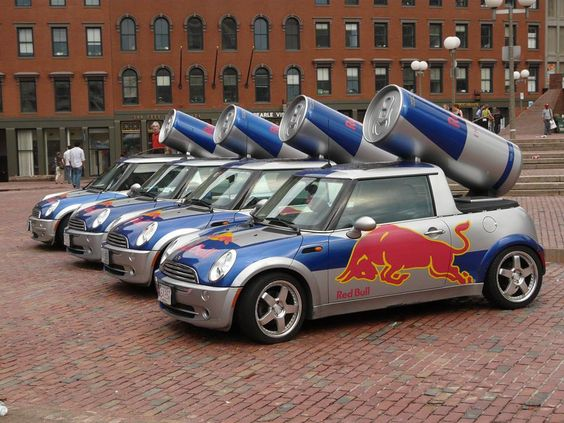 In deze auto's rijden de Red Bull mensen rond, om op verschillende plekken en evenementen blikjes rond te brengen. Zo kunnen mensen het drankje gratis proeven en maak je goede reclame. Als mensen het namelijk lekker vinden gaan ze het vaker kopen en maak je meer omzet. Ook op de weg zien mensen deze auto rijden, willen weten wat het is en gaan het dus kopen. Niet alleen in Nederland zie je deze auto's, maar ook in het buitenland.