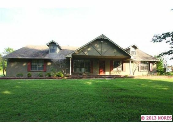 3001 E Smitch Ferry Muskogee, OK THIS 3 BEDROOM, 2 BATH HOME WAS BEAUTIFULLY UPDATED IN 2011. ENORMOUS MASTER BEDROOM, LARGE LIVING/DINING, PERFECT FOR ENTERTAINING! INGROUND POOL W/ DECK, DETACHED 3 CAR GARAGE W/ APARTMENT. RV STORAGE, HORSE STALLS, STOCKED POND ALL ON 20 ACRES.