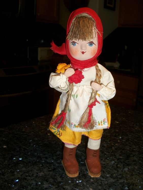 Lupkow Doll, Poland - 12 1/2 inch Girl hand clothed and hand painted No Reserve