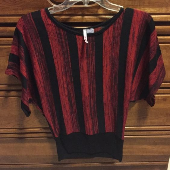 Red and black casual dress top Like new condition never worn.... BONGO Tops Blouses