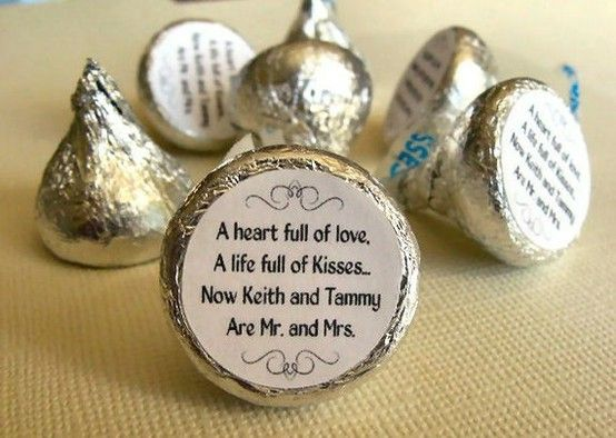 Wedding favor chocolate kisses.. a unique way to celebrate a special occasion. #Chocolatekisses #DIY: