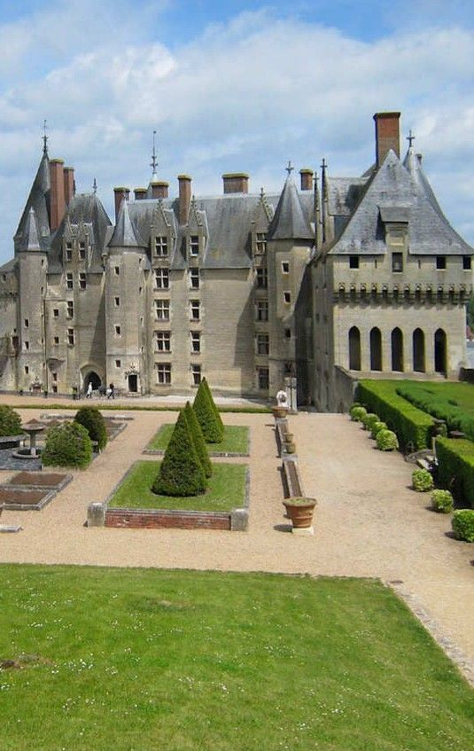 Chateau De Langeais Castle House French Castles Beautiful Castles