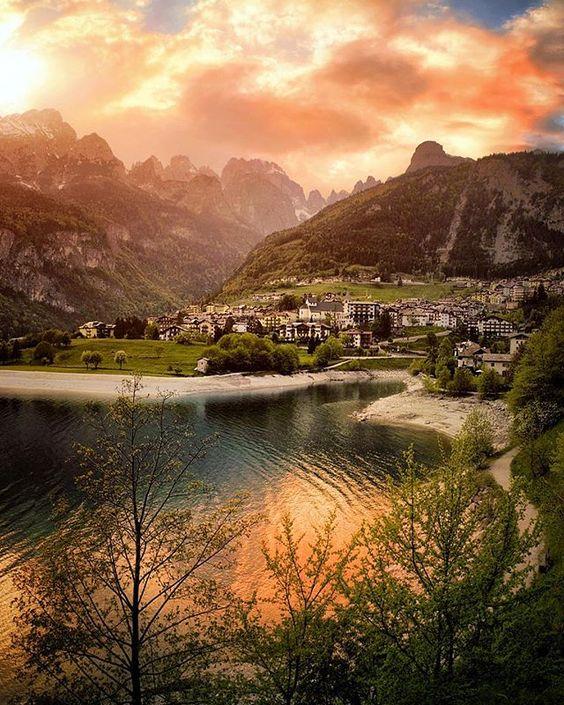Wonderful view from lake Molveno / Italy 🌄
