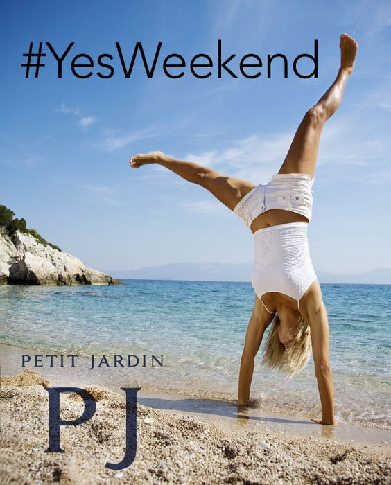 #YesWeekend! Con il #corpo siamo ancora in #ufficio, ma la #mente pensa già ai #programmi per questo #caldo #weekend: #minigonna o #shorts? Con Petit Jardin le mie #gambe saranno sempre al #top: #addio #cellulite!