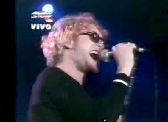 Layne Staley, Alice in Chains; Brazil, 1/22/93 https://www.youtube.com/watch?v=Ydz6tG06P9I