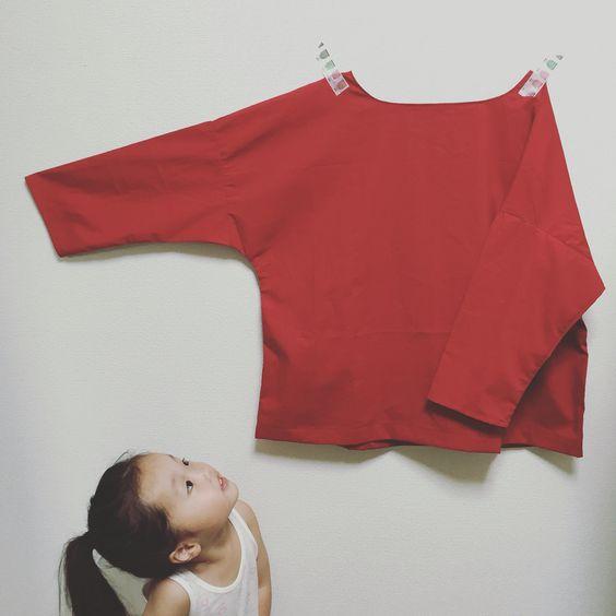 赤のシャツ