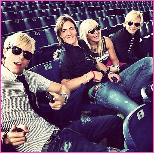 Video Of R5 In Toronto, Canada