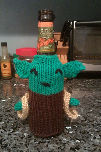 Knitted Yoda beer cozy - I adapted a pattern for a yoda baby bottle to make this.-- I was thinking a matching beer and milk bottle cozy for Jake and Gibson @Linda Harvey