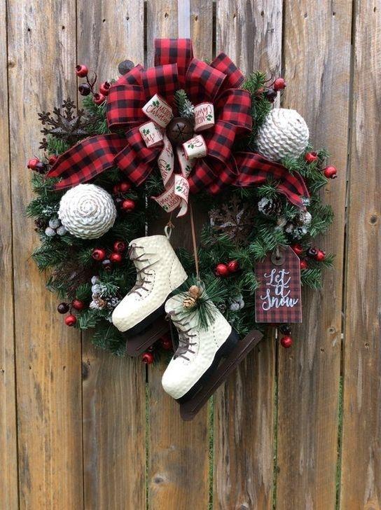 60 Unique Christmas Wreath Decoration Ideas For Your Front Door Christmas Wreaths Christmas Wreaths Diy Christmas Decorations Wreaths