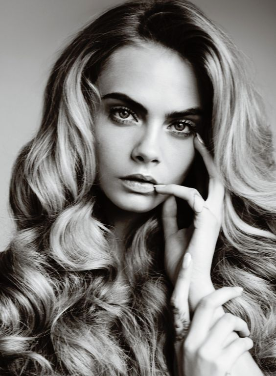 the #beautiful #caradelevigne and her infamous #boldbrows:
