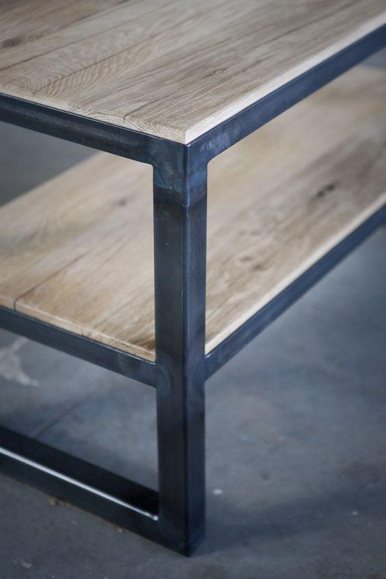 Salontafel van oude eiken wagondelen en ijzer meubels op maat bij jan van ijken oude - Boekenkast hout en ijzer ...