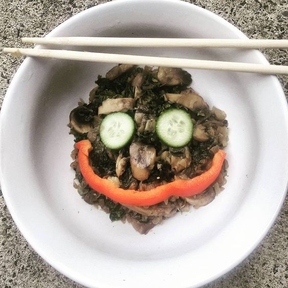 When kale,cucumbers,mushrooms,turmeric,black pepper and red peppers can put a smile on your face..#vegan.good for your skin and mind.#ayushiwoods #Ayushi #organic #healthychoices #vegofinstagram #whysoserious