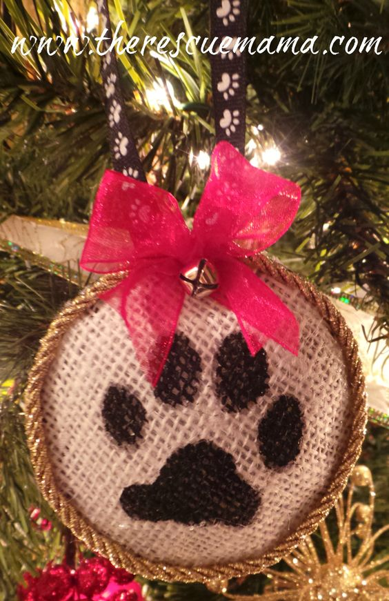 Free how to for this cute pet ornament on my website...www.therescuemama.com