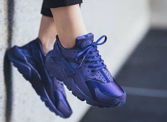 Tendance Basket Femme 2017- Sneakers-actus : des news fraîches depuis 2010  Basket Femme 2017 Description Nike Air Huarache Loyal Blue post image: