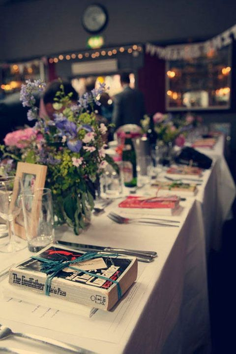 70 Library And Book-Inspired Wedding Ideas | HappyWedd.com
