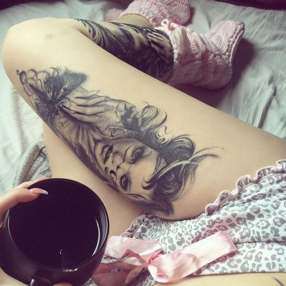 «Good morning ☕️ Been choosing pictures from the weekends photoshoots  Can't wait to show you! They all look amazing  #inbed #cosy #tea #inked…»