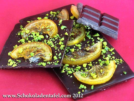 Zartbitterschokolade mit kandierten Zitronen und Pistazien
