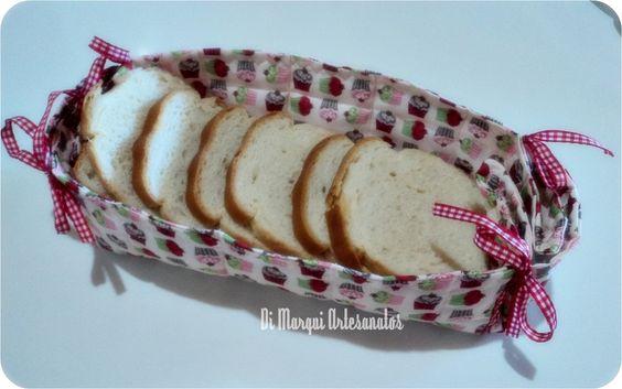 Cesto para pães em tecido.