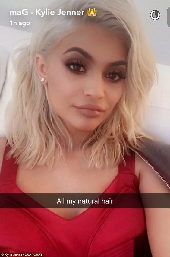 'All my natural hair': She proudly showed off her new platinum blonde do: