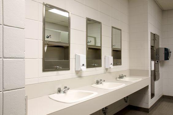 Что более гигиенично и эффективно: сушилки для рук или бумажные полотенца - http://lifehacker.ru/2014/10/25/sushilki-vs-polotenca/