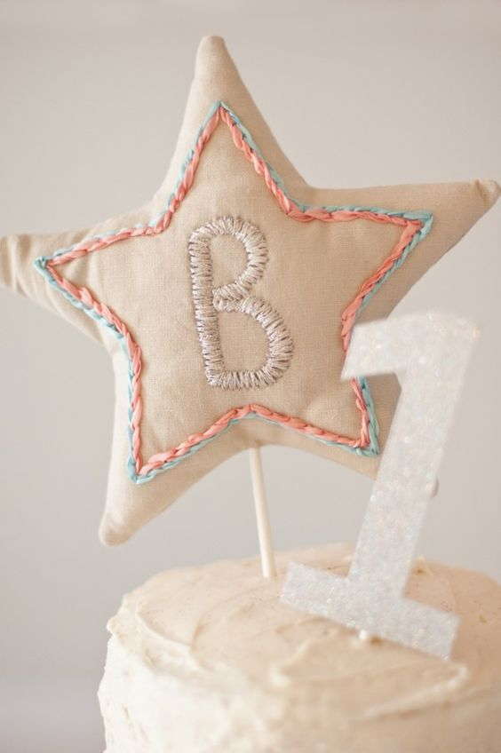 Cute little handmade star cake topper | Photos by Jenni Bailey
