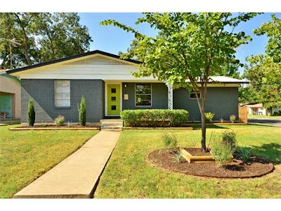 Mid century modern exterior paint colors it 39 s a single story ranch with a similar mid century for Mid century modern exterior paint colors