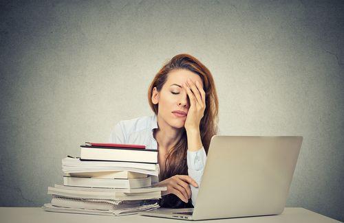 Gewohnheiten werden oft kaum wahrgenommen, haben im Lauf der Zeit jedoch eine gewaltige Wirkung. Bei diesen 5 Gewohnheiten ist Vorsicht geboten...