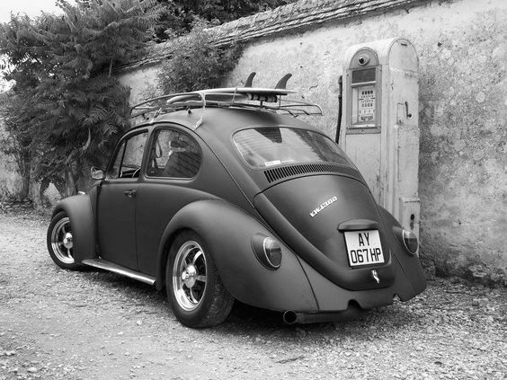 vw beetle black and white das vintage vw beetle 39 s pinterest black vw beetles and beetle. Black Bedroom Furniture Sets. Home Design Ideas