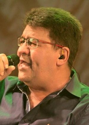 Morre aos 63 anos o cantor Chico Rey, da dupla Chico Rey